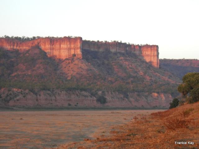 Chilojo Cliffs, Gona re Zhou